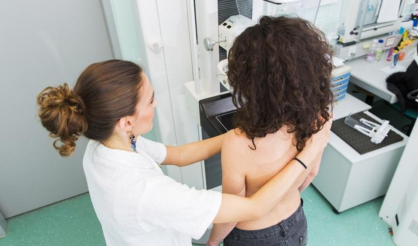 450000 ژن لە بریتانیا بە هۆی هەڵە لە ئەلگۆریتمێکی کۆمپیوتەریدا پشکنینی شێرپەنجەی مەمکیان بۆ نەکراوە!