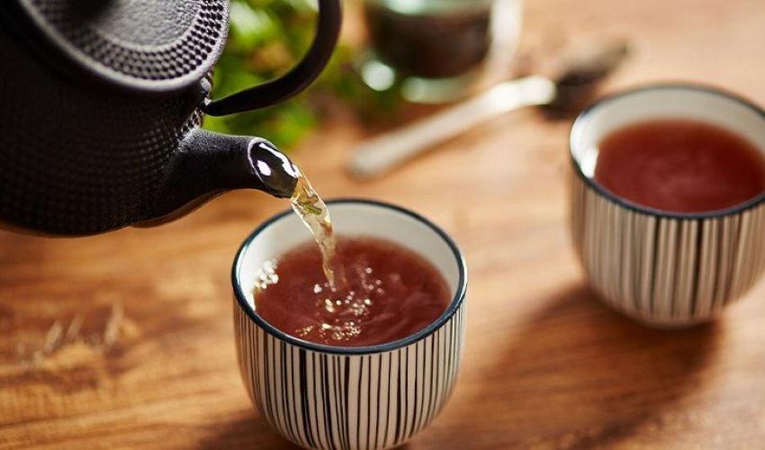 ۹ خراپەی خواردنەوەی زۆری چایی 9 ziyanên vexwarina zêde ya çayê